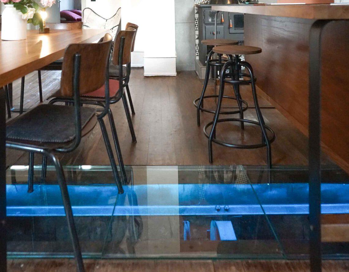 Tilmann-Schlootz-Interior-Design-Produkt-Möbeldesign-furniture-Restaurant-Bar-Wirtschafts-Ausstattung-liebliches-taubertal-hotel-2020-2021-gastronomie-eventküche-Showküche-eventlocation-9-Tilmann-Schlootz-Interior-Design-Frankfurt-Produktdesign-WoodCraft-Bahnhof-Gamburg-Liebliches-Taubertal-Eventlocation-Hochzeit-TimeBulb-cordless-lamp-Trends-2020-2021-2